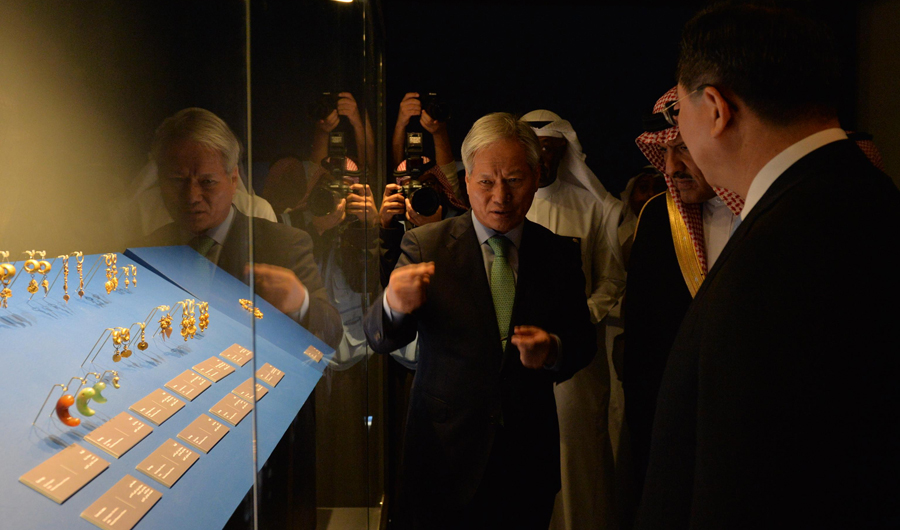 Saudi heritage chief launches Korean exhibition in Riyadh