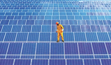 Solar, onshore wind to fall below cost of fossil fuel for first time