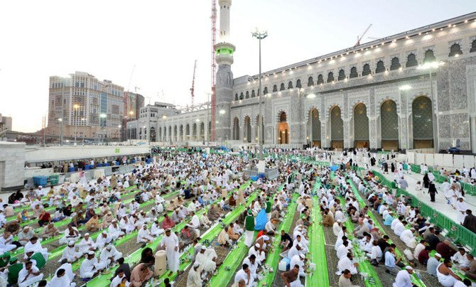60% of 94,000 mosques offer iftar | Arab News