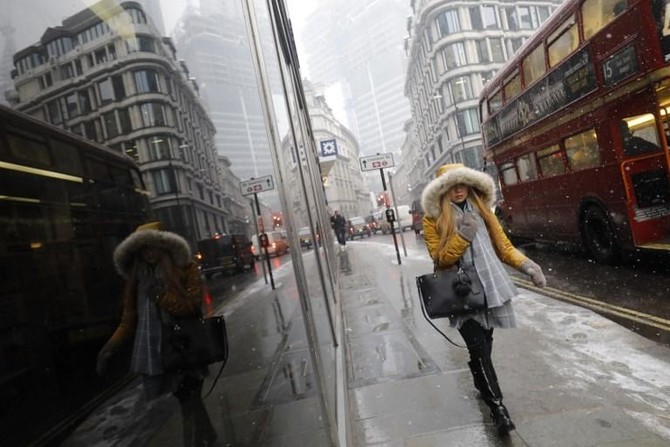 Retail sales slump as snow keeps shoppers at home