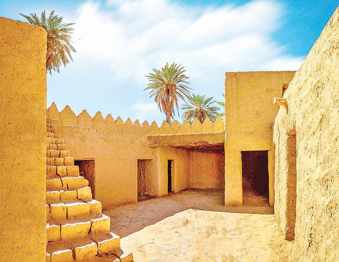ThePlace: Tabuk Castle, a stopover of pilgrim caravans on their way to Makkah and Madinah