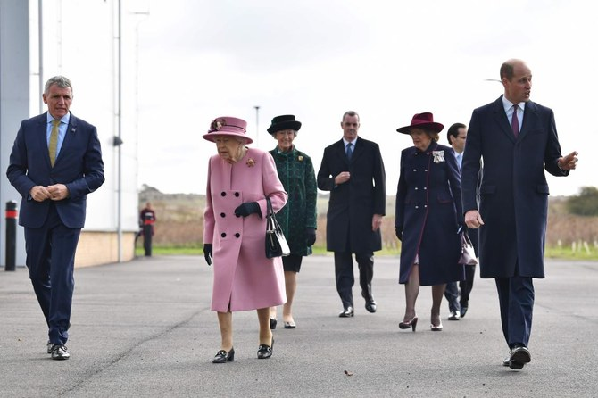 UK queen visits Novichok lab in first outing since COVID-19 lockdown