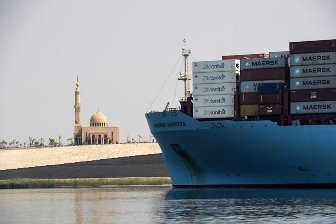 Egyptian president pledges to boost investment in Suez after ship freed