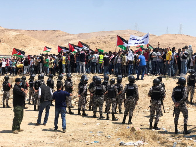 Jordanian police disperse protesters near border with West Bank