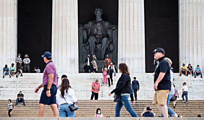 Tourists return to US capital as pandemic ebbs